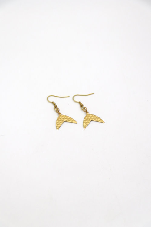 BRASS WHALE TAIL DROPS