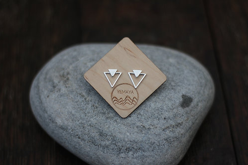 STATEMENT TRIANGLE STUDS