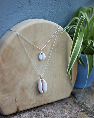 one off necklace, shell necklace