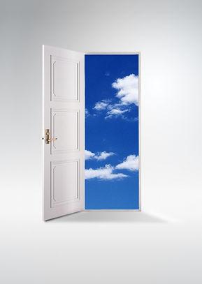ドアの向こうの空.jpg