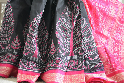 Black with Rani half and half Baandha silk