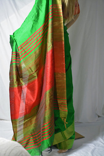 Silk Green and dark Red Plain border and anchal saree