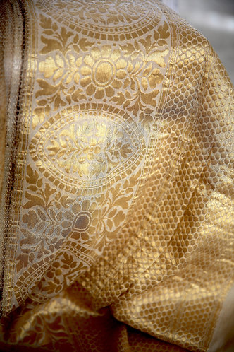 Beige Handloom Munga silk with Khadial weaving