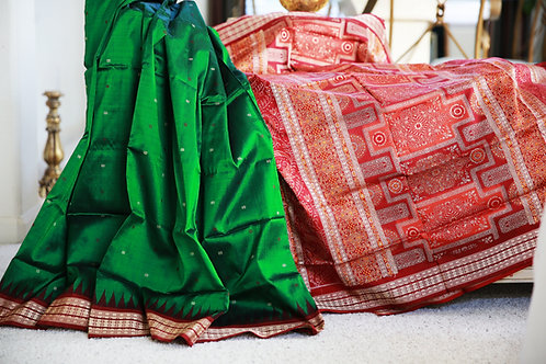 Leaf Green Bomkai silk with Maroon border and anchal