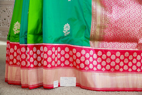 Torquise Blue and Green box pattern with Fuchsia skirt border and anchal