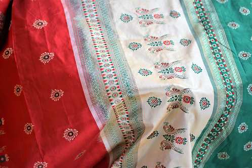 Red Green Bomkai silk with shoulder butaas