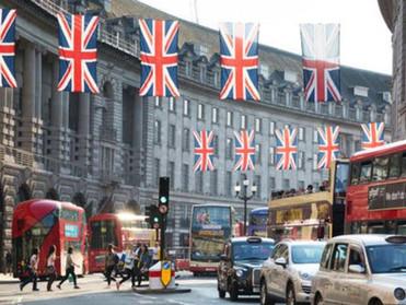 صحيفة صنداي تليغراف: بريطانيا تخطط لحزمة إنقاذ للصناعات الأكثر تضررا من الخروج من الاتحاد الأوروبي ب