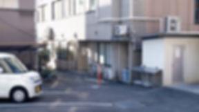 周南病院|駐車場側入口