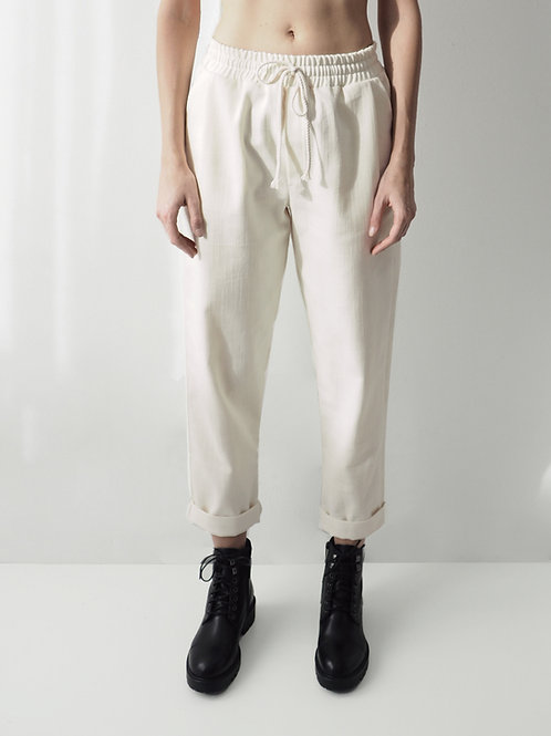 RELAXED TROUSERS IN CREAM