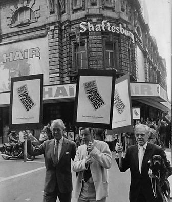 Michael Denison, Richard Briers & Marius Goring outside the Shaftesbury Theatre 1973