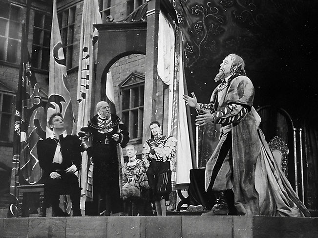 Marius Goring as First Player in Hamlet at Elsinore 1939