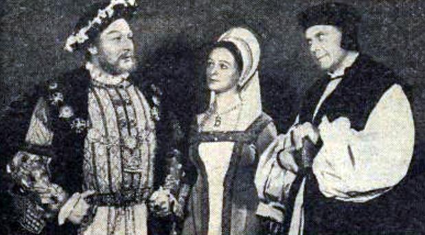 Paul Rogers as Henry VIII, Jeannette Sterke as Anne Boleyn & Marius Goring as Archbishop Cranmer in The White Falcon 1956