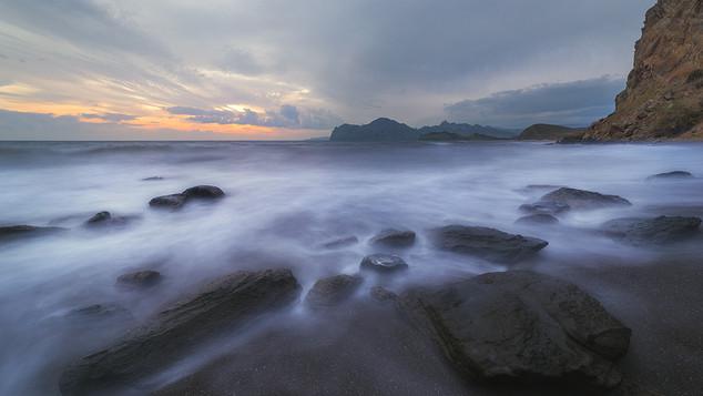 Черный пляж в тихой ВК.jpg