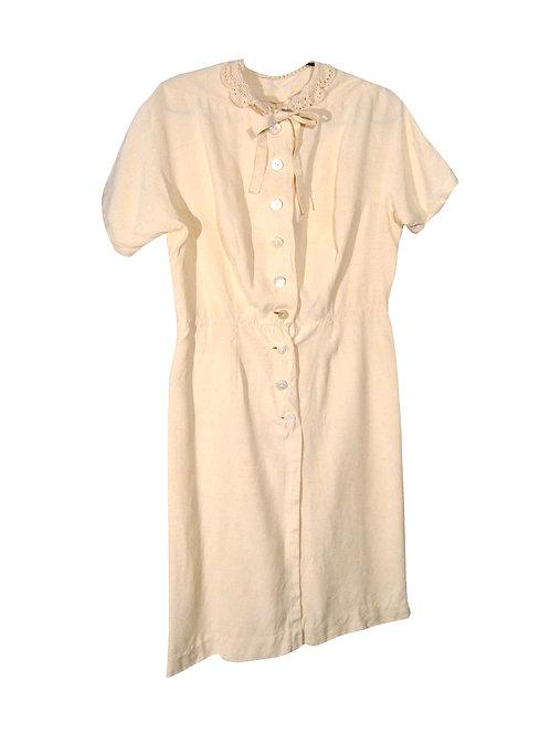 Luonnonvalkoinen mekko