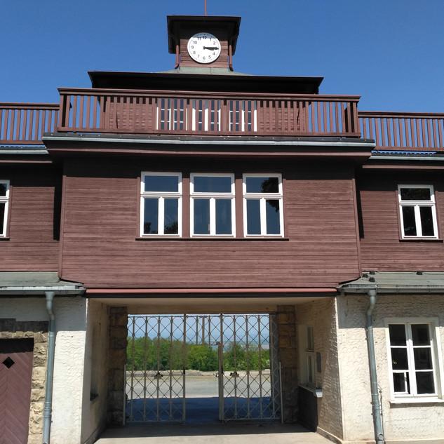 Бухенвальд. Входные ворота в лагерь