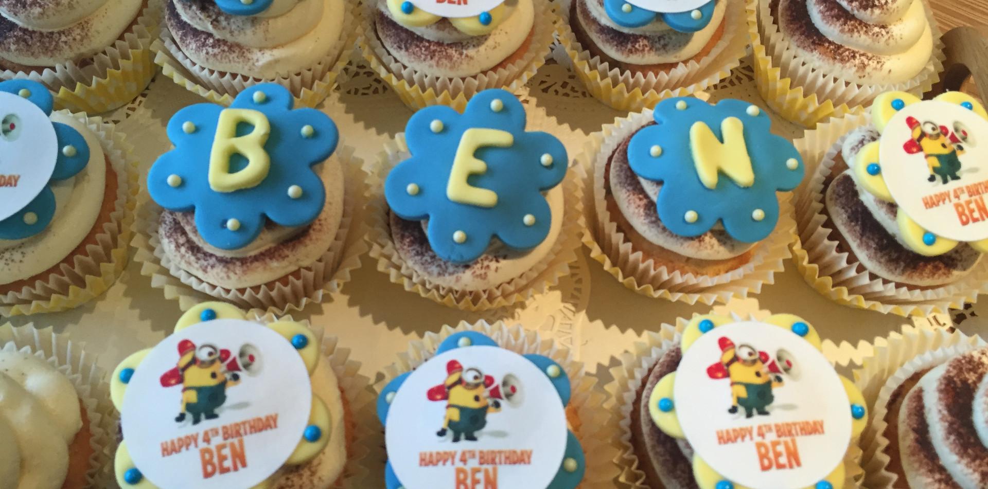 Minion themed cupcakes