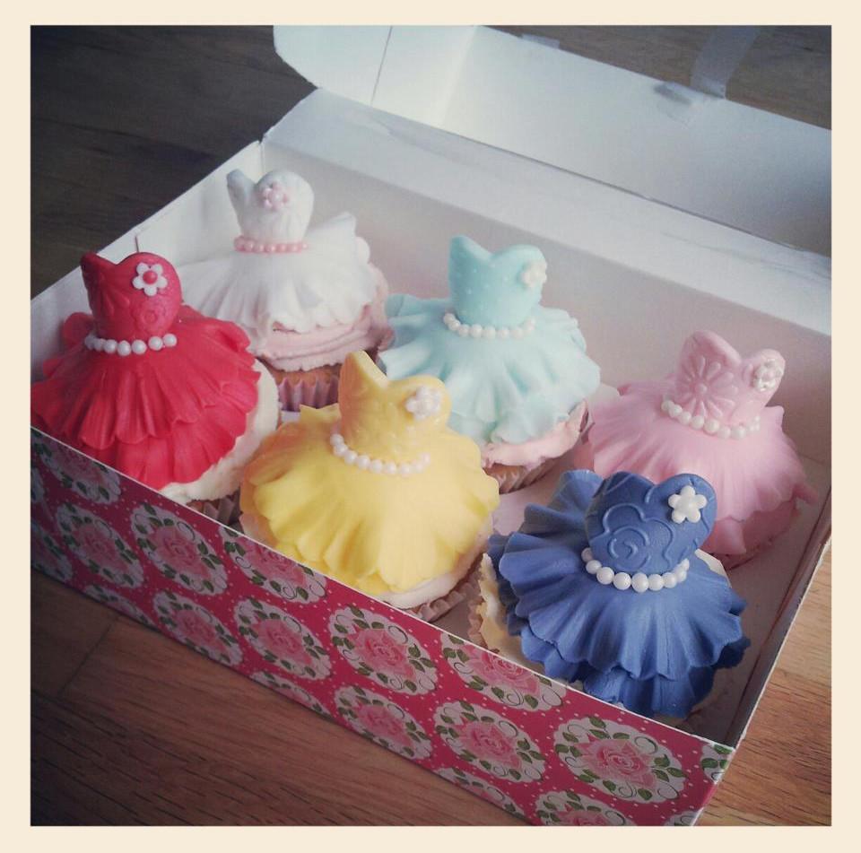 Boxed dress cupcakes