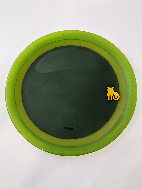 Plate Dark Green with Three Rings and Dichro Cat