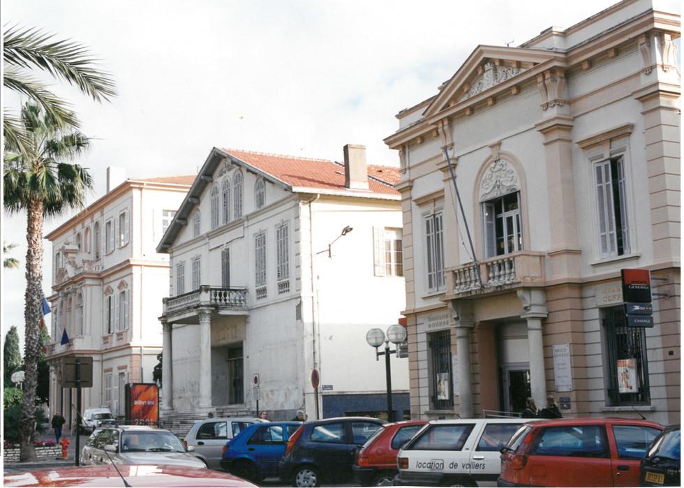 Vue de la mairie en 1990