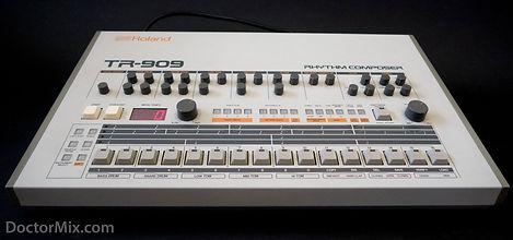 TR-909-01-2000-938W.jpg