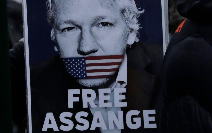 assange-protester-ap-img