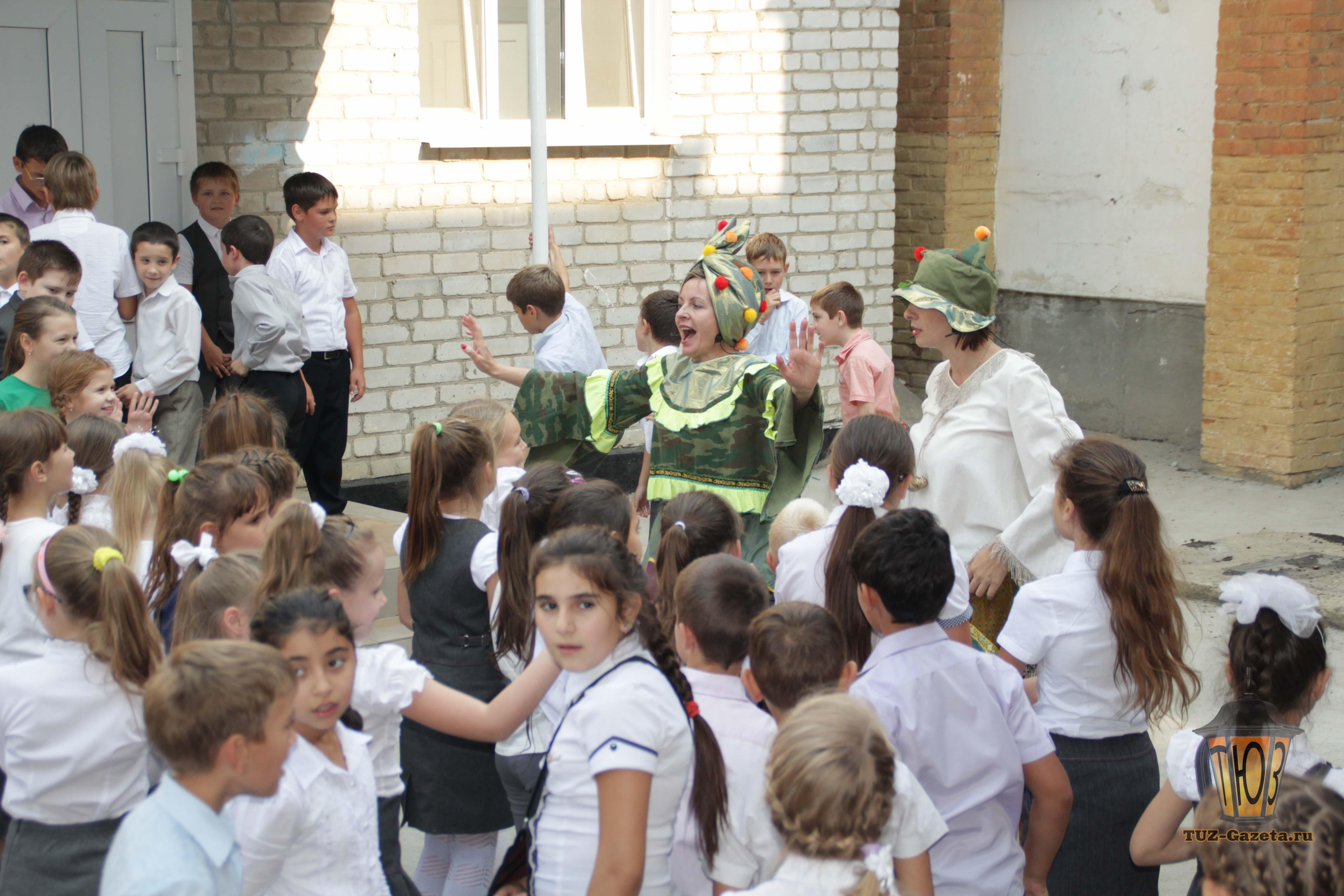 ТЮЗ в гостях у школы-34
