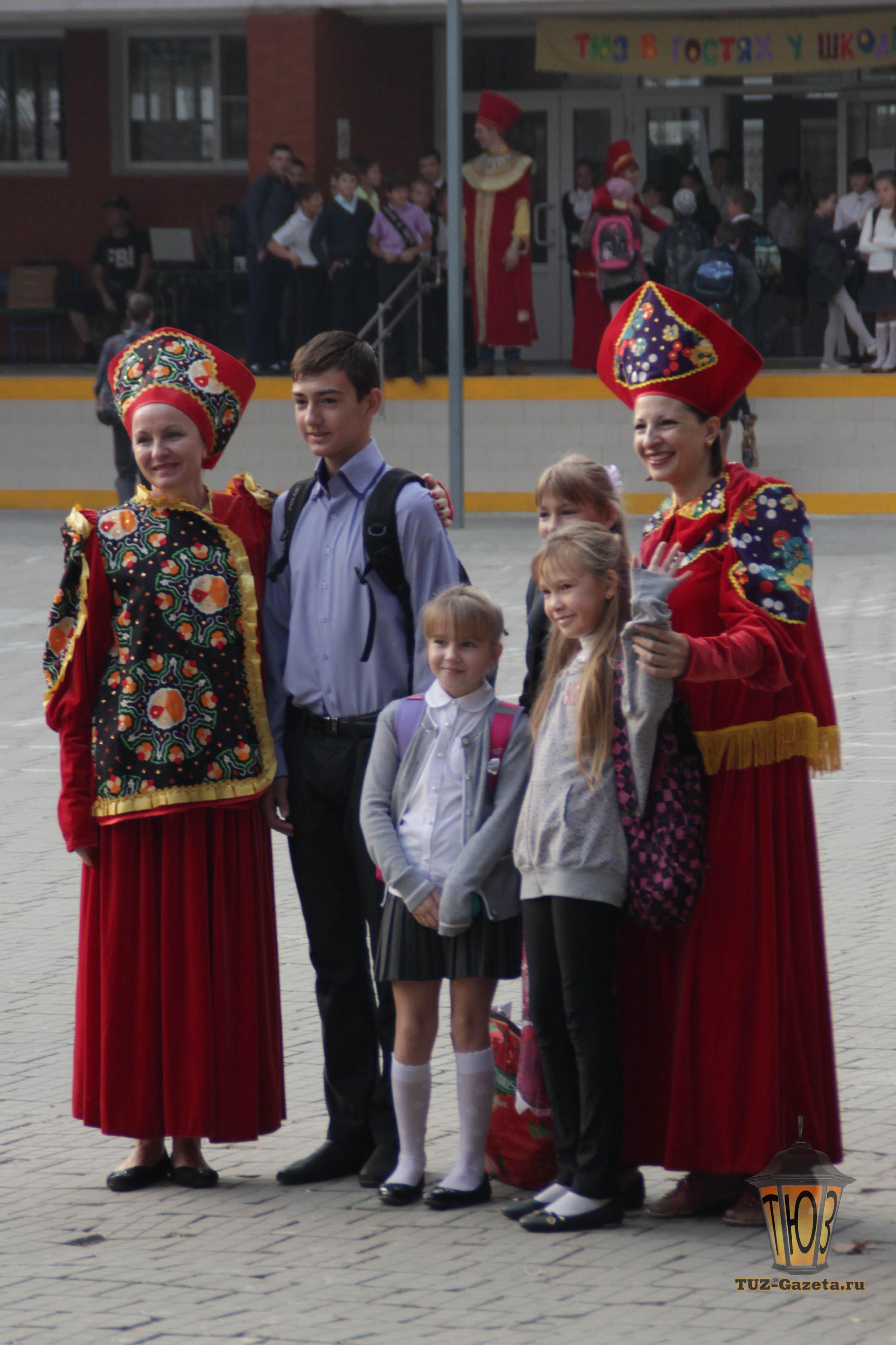 ТЮЗ в гостях у школы-2