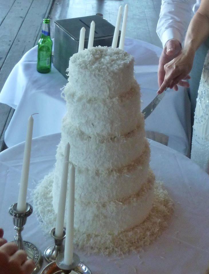 Paul & Louise wedding cake.jpg