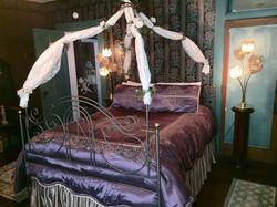 Miss Melanie - Queen Size Bed