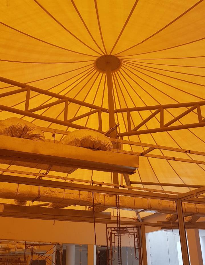 مظلات الهرمية مخرج ١٠