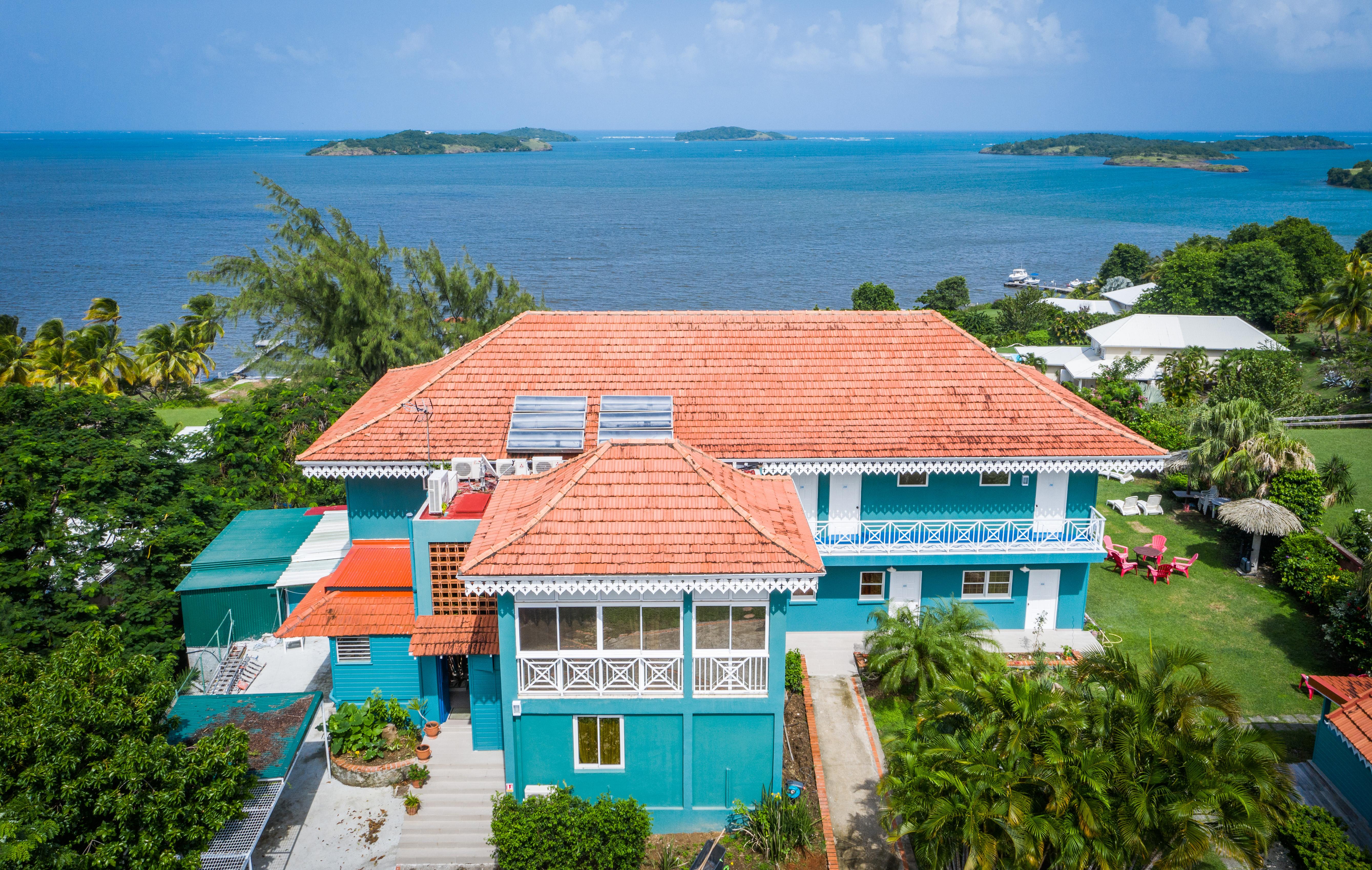 vue aerienne drone hotel fregate bleueDJ