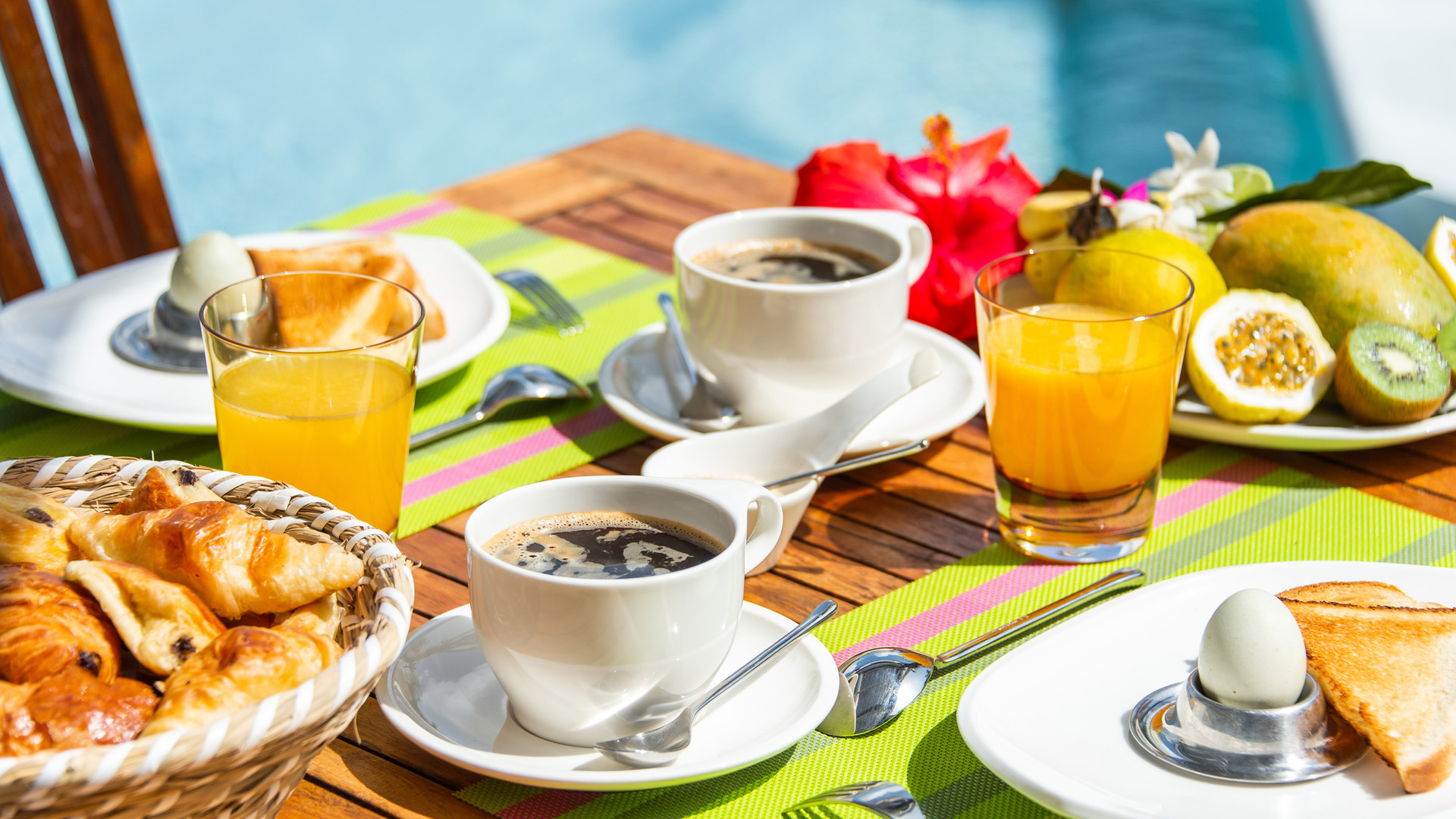 breakfast_cafeÌ _croissant_fruit_oe