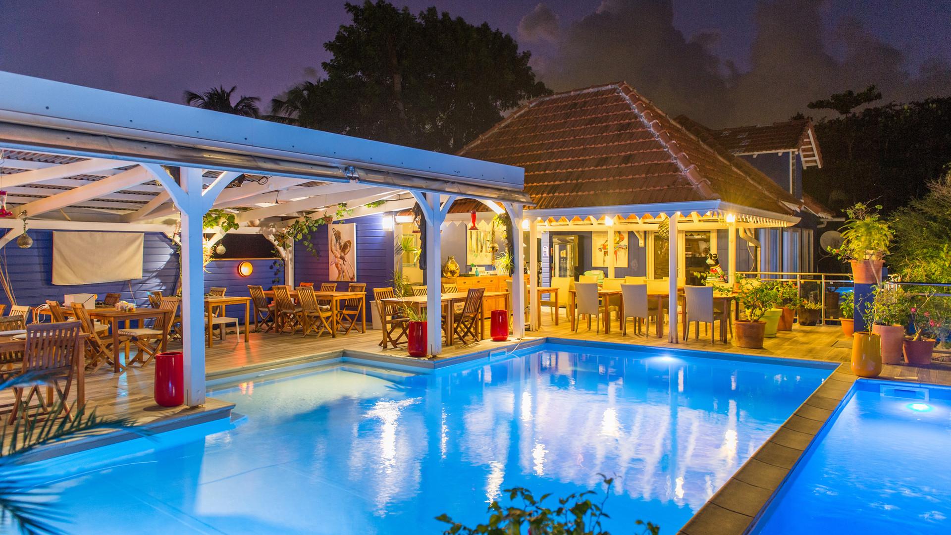 Restaurant, bar, piscine Hôtel Frégate Bleue de nuit