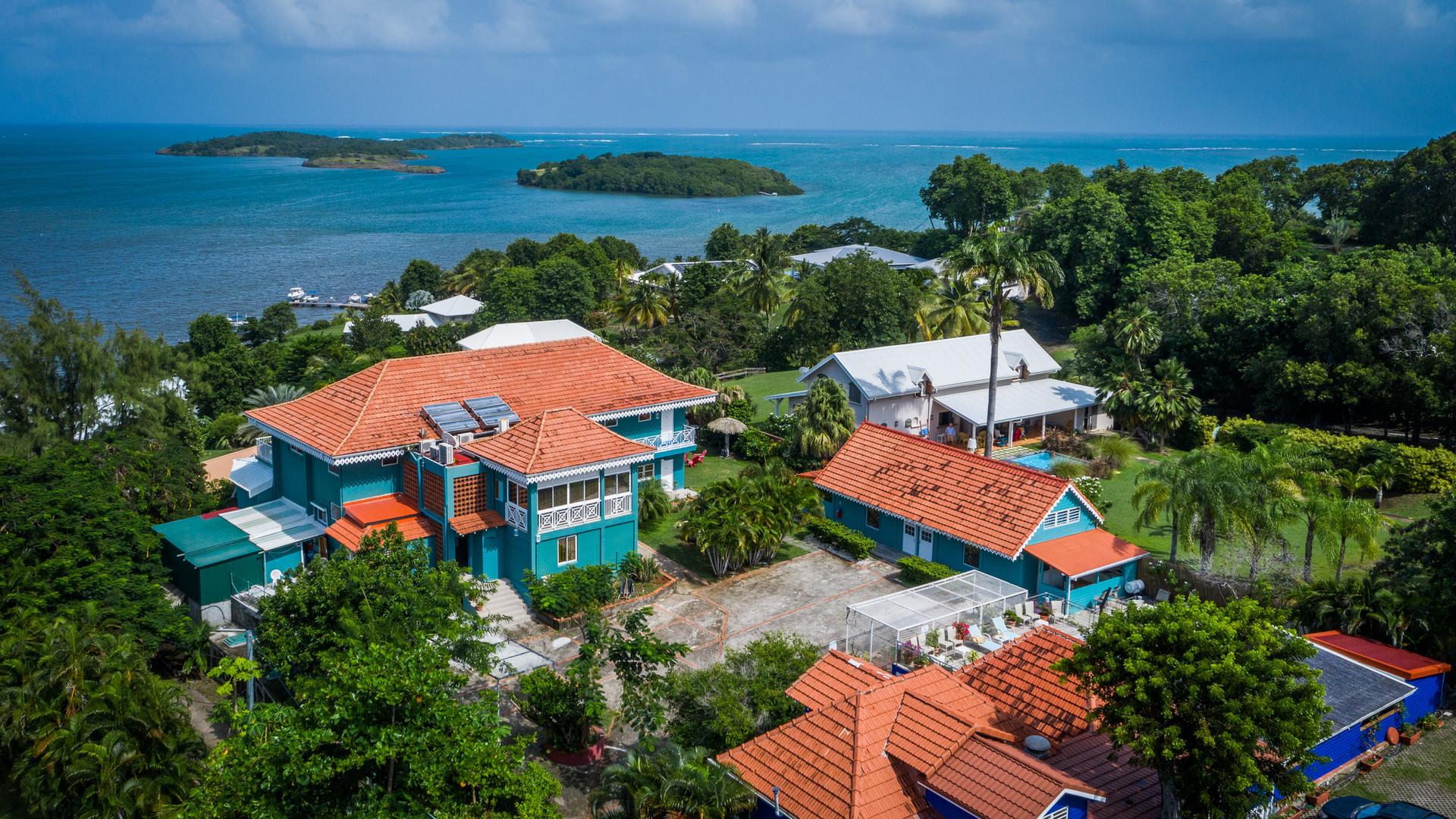 Vue aerienne drone Hôtel Frégate bleue Martinique