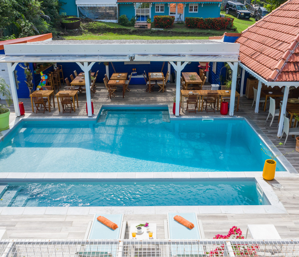 blaue Fregatte Hotel Drohne LuftaufnahmeDJ