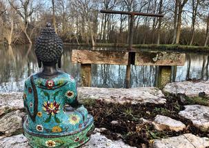 Instant méditatif au bord du lac