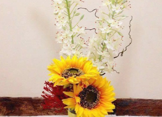 Lemon Linear Vase Display