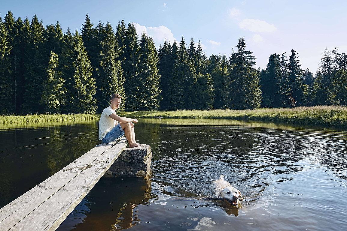 summertime-with-dog-lake-min_ALT.jpg