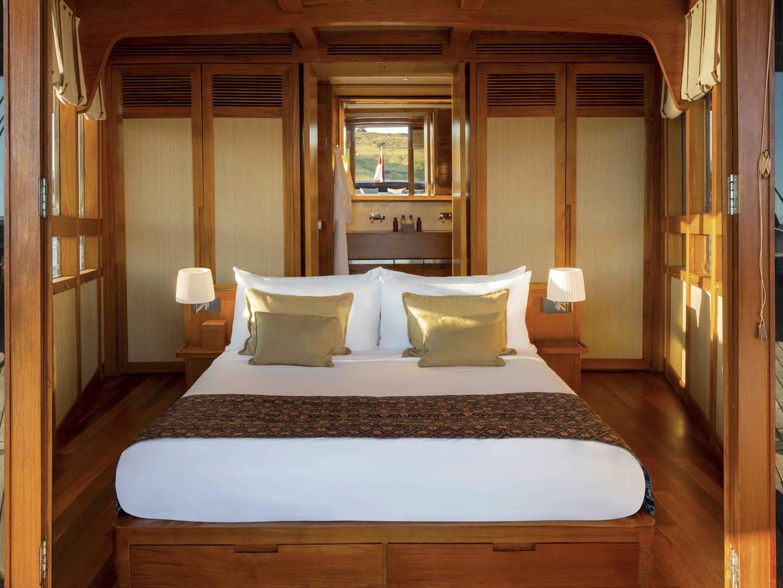 Amandira yacht