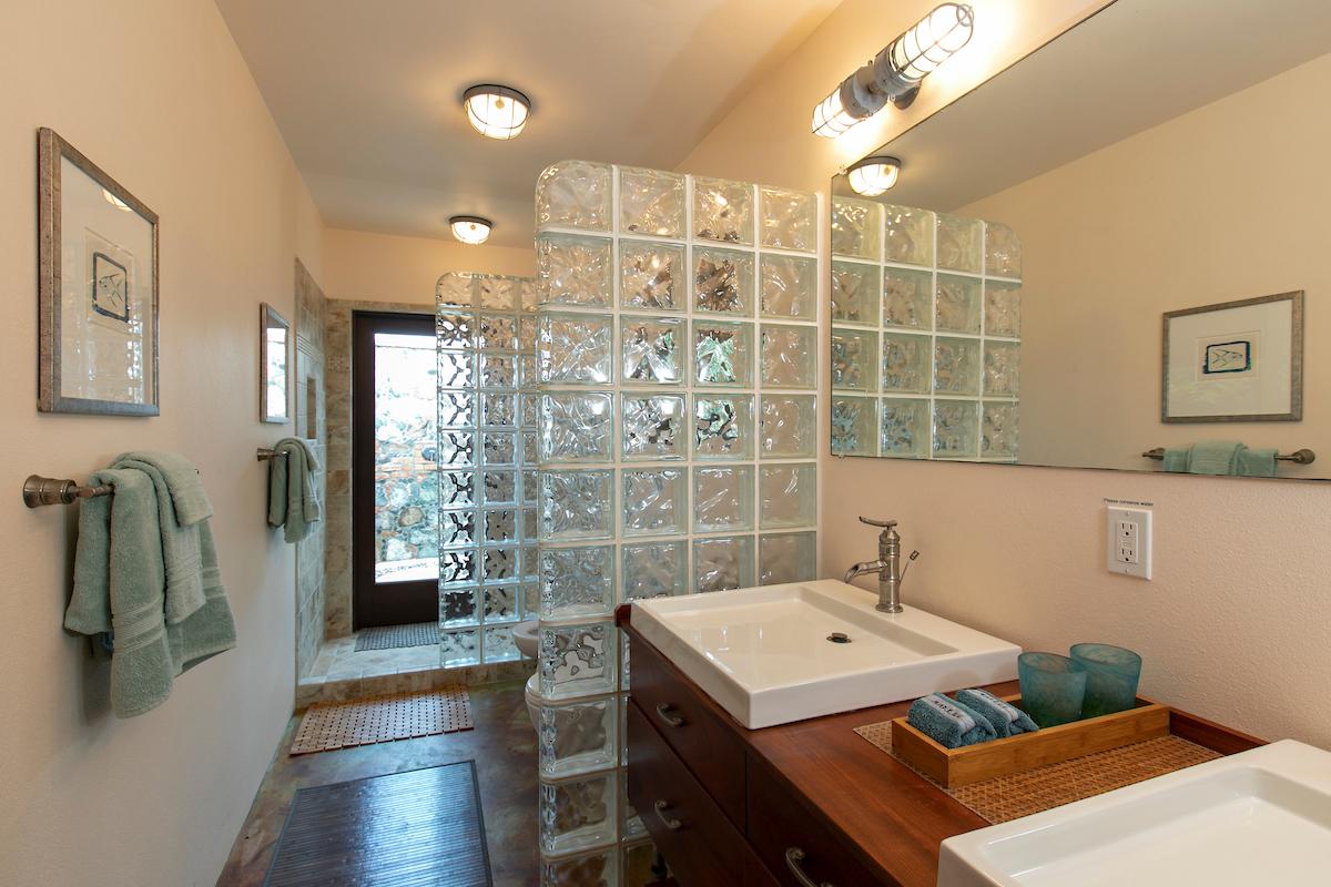 5D4D3293 Master Bath 1