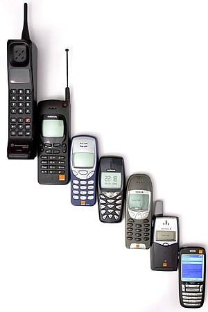 English: Mobile phone evolution Русский: Эволю...