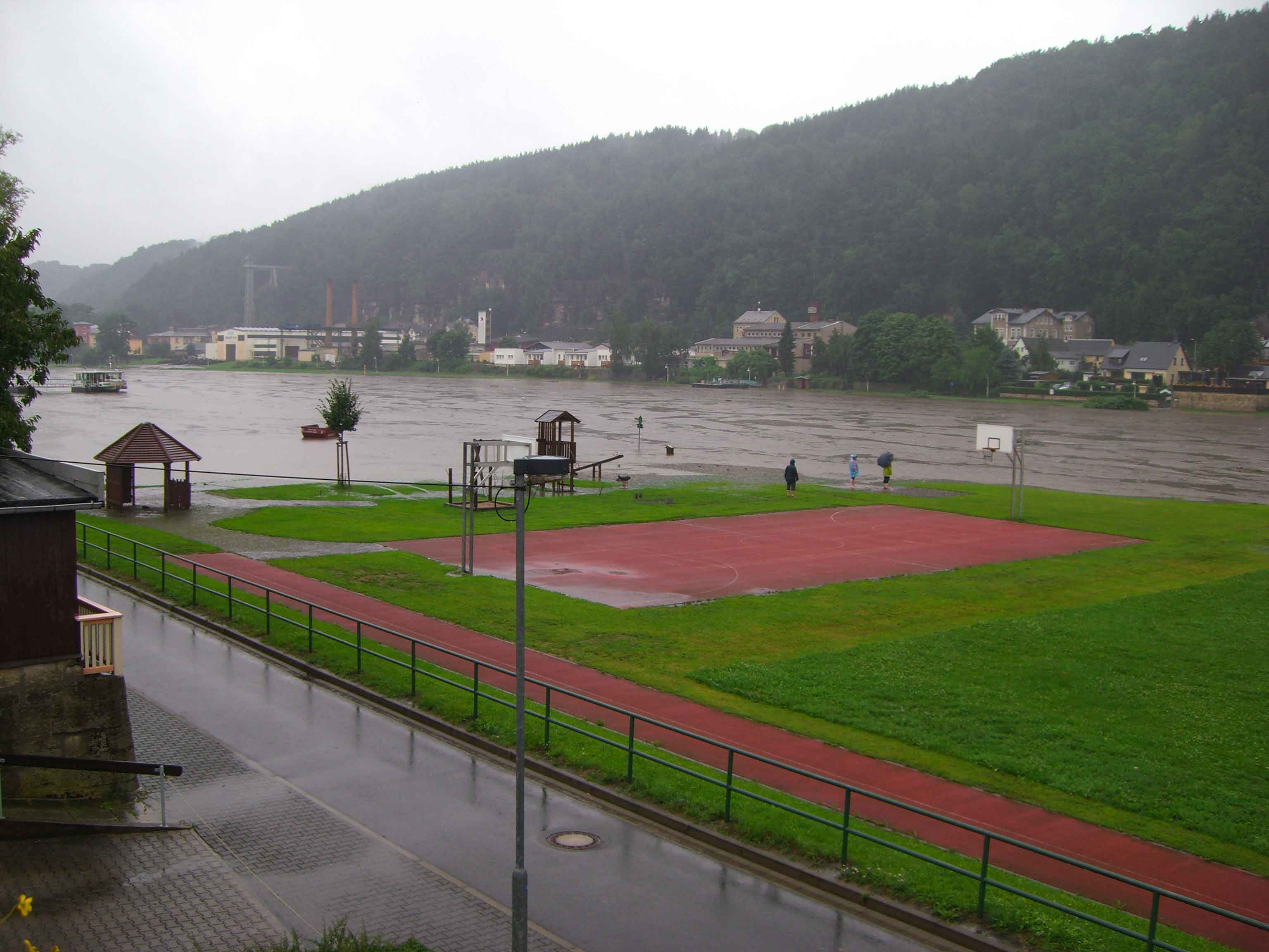 Hochwasser 2010 Am SportplatzKrippen