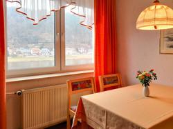 FeWo Lilienstein Wohnzimmer Esstisch