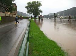 Hochwasser 2010 Elbradweg in Krippen