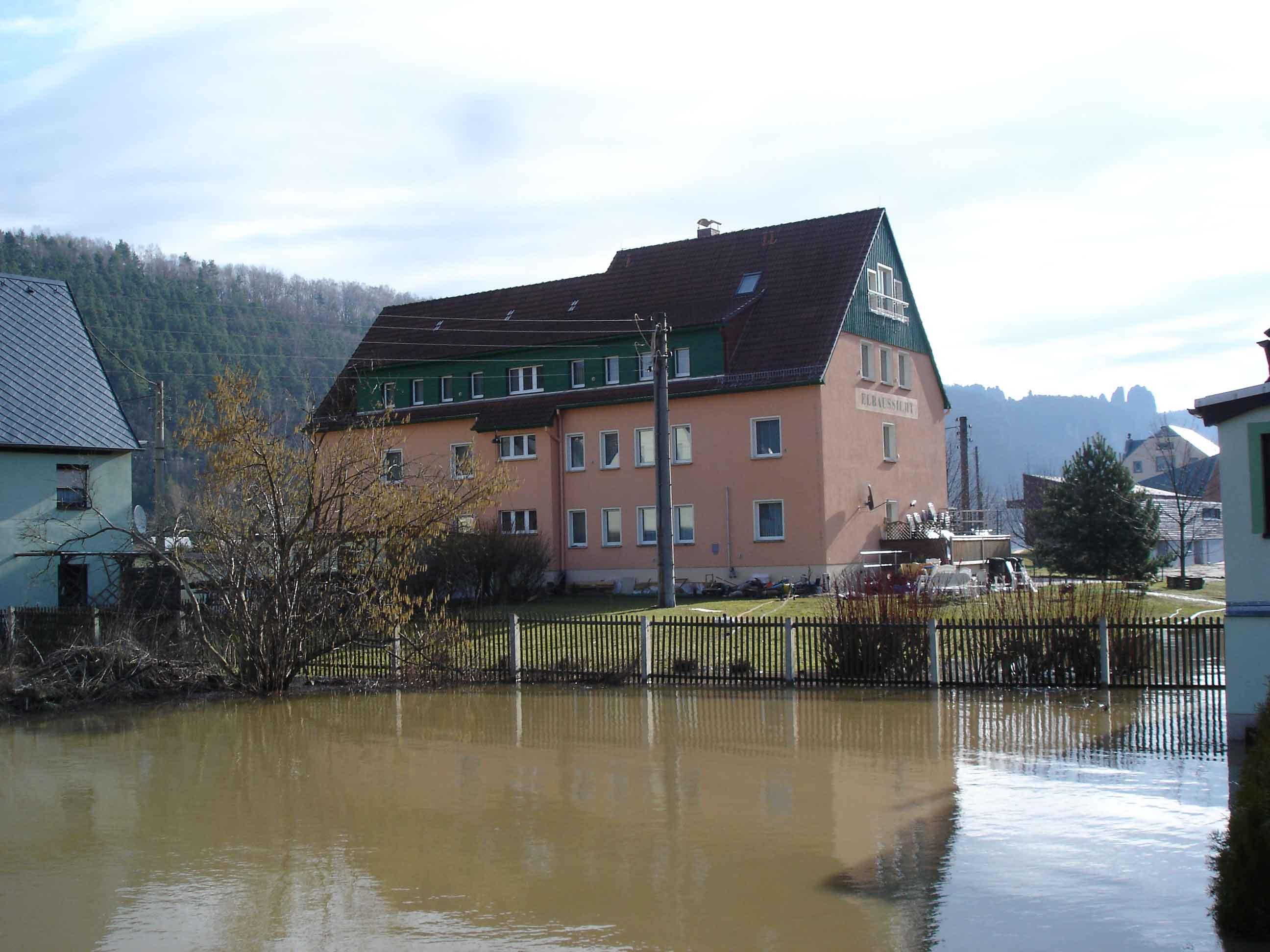Hochwasser 2006 - Die Elbe steigt