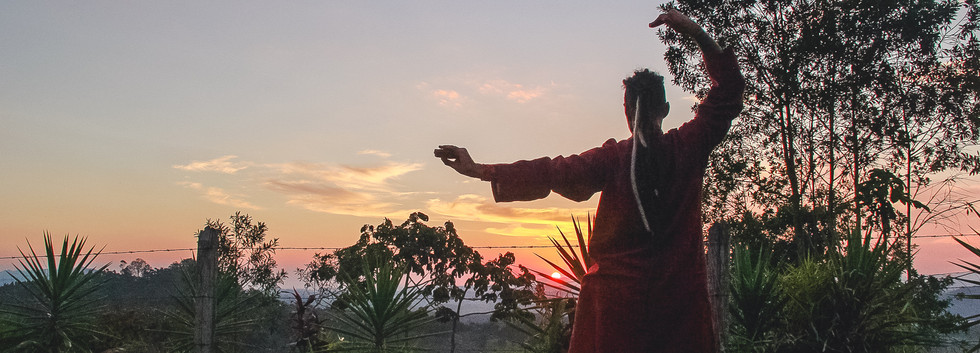 Yoga Integral Durante o Pôr do Sol de São Paulo