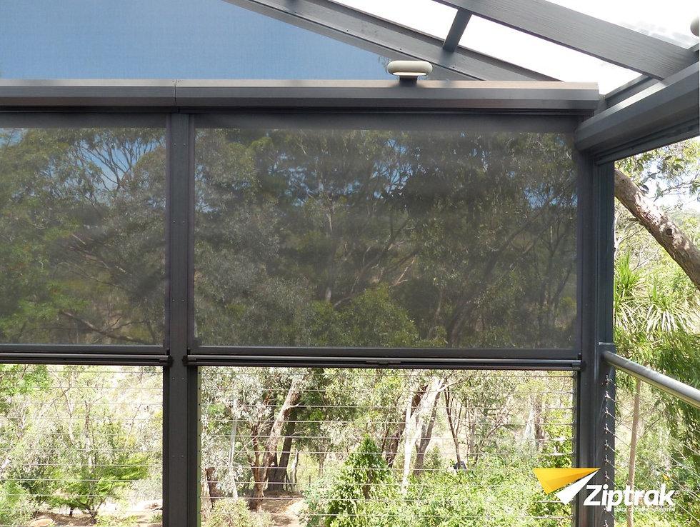 Ziptrak Outdoor Blind -19_edited.jpg