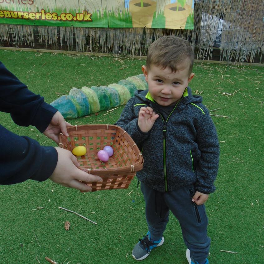 Hemlington Initiative Centre Easter Egg Hunt (3)