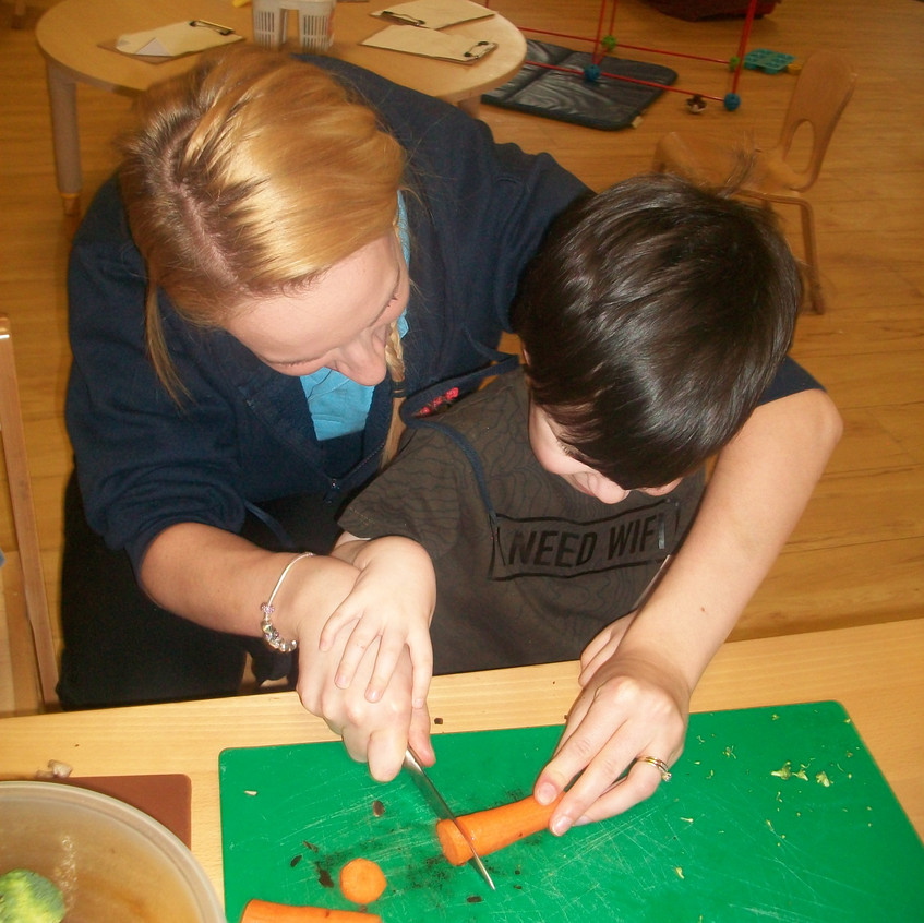 making vegetable soup (11)