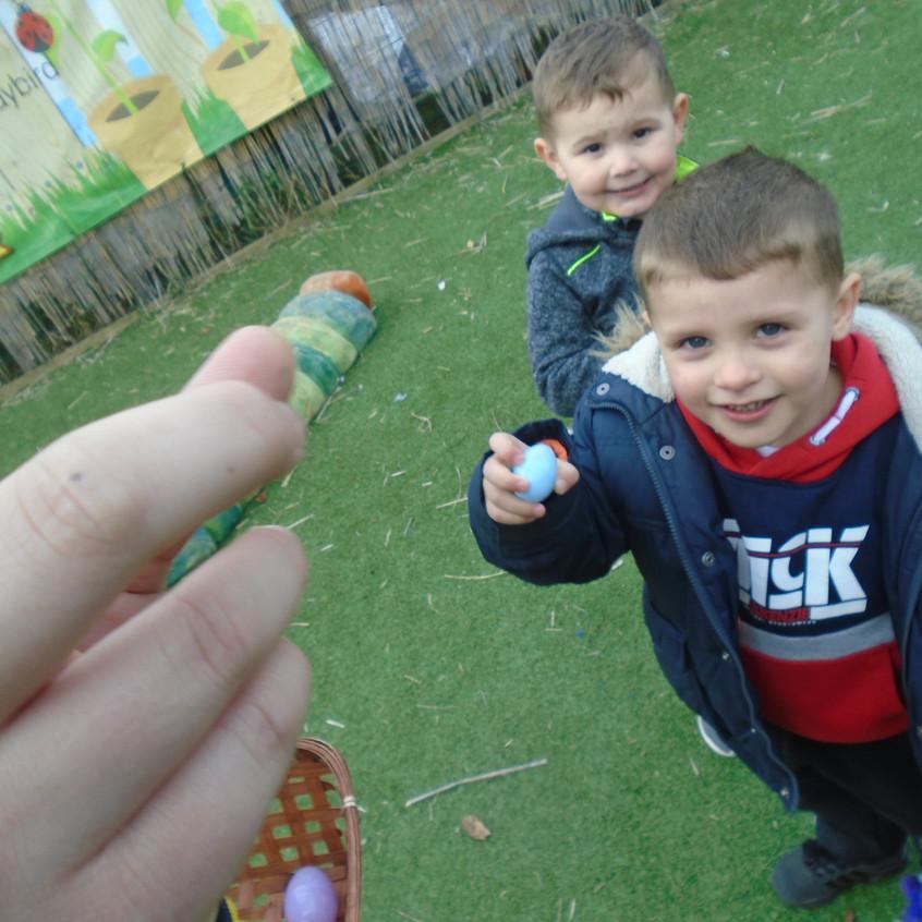 Hemlington Initiative Centre Easter Egg Hunt (4)